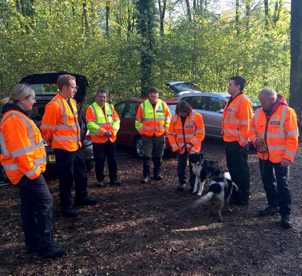 Hampshire Search and Rescue Dogs Field Training